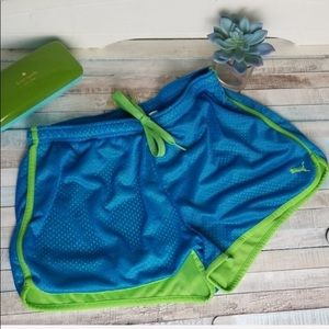 Puma sz M RetroBlue & green mesh Athletic Shorts